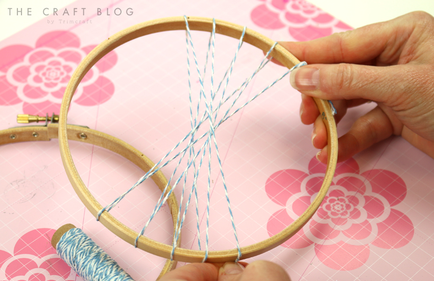 embroidery_hoop_weaving_1.jpg