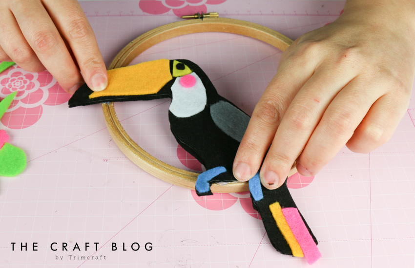 no_sew_felt_toucan_palm_leaves_8.jpg