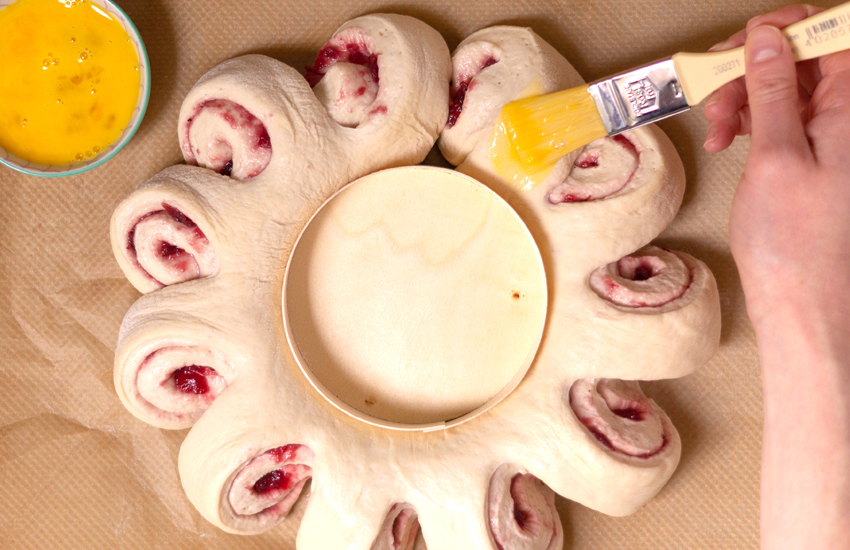 cranberry_camembert_wreath_4.jpg