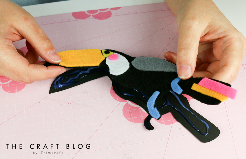 no_sew_felt_toucan_palm_leaves_6.jpg