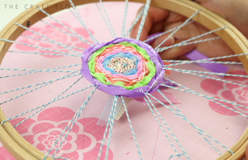 embroidery_hoop_weaving_5.jpg