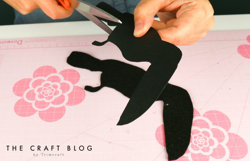 no_sew_felt_toucan_palm_leaves_3.jpg