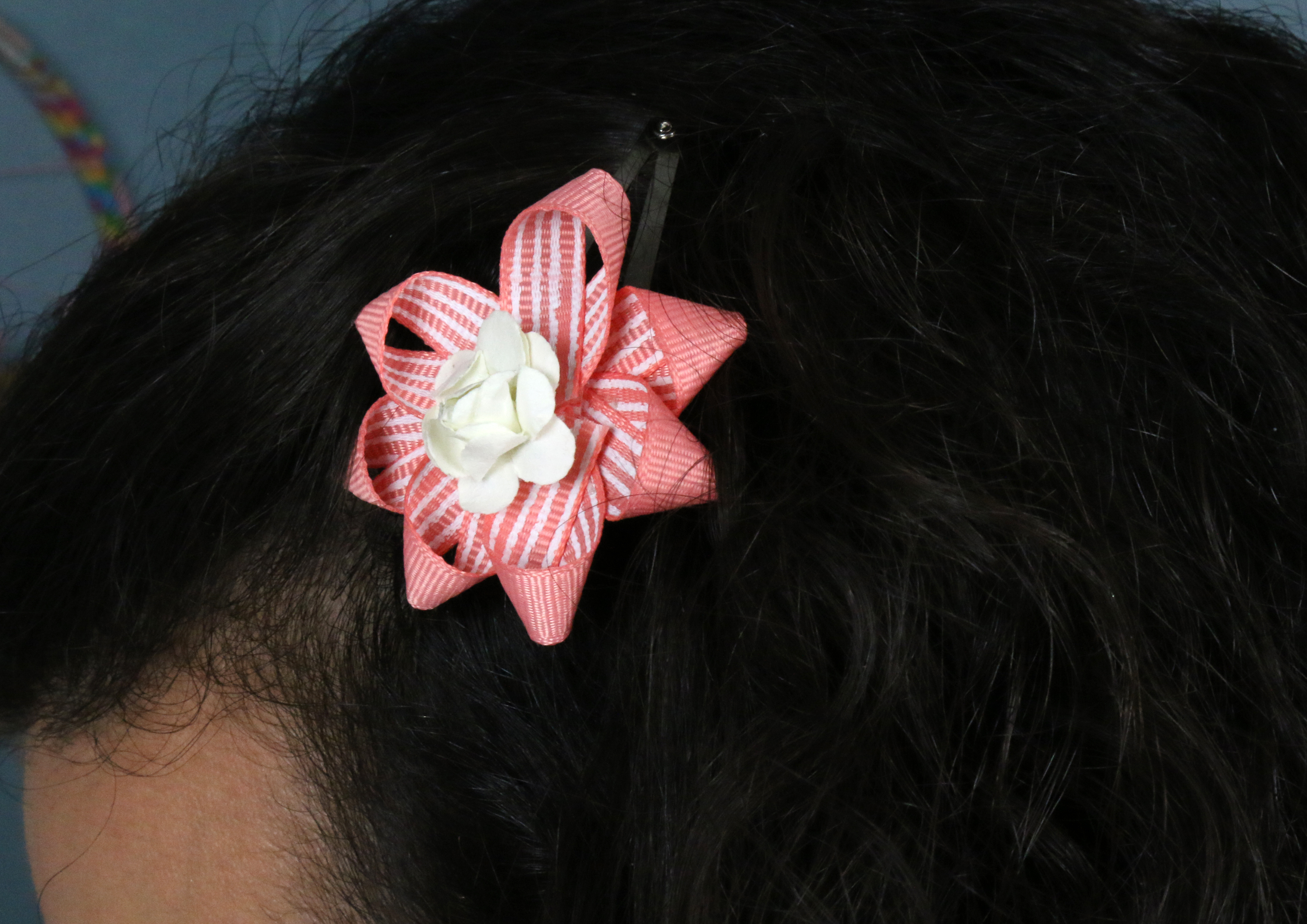 diy_hair_ribbon_bows_8.jpg