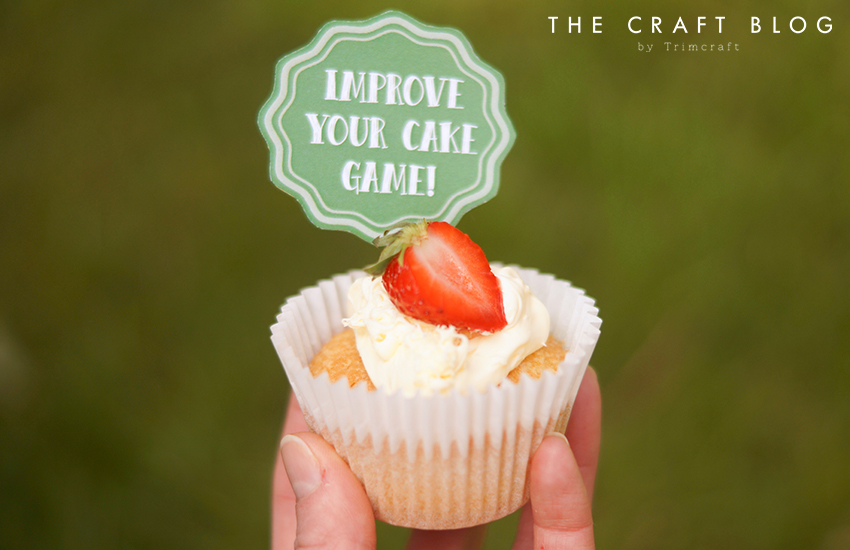strawberries_cream_winbledon_cupcakes_6.jpg