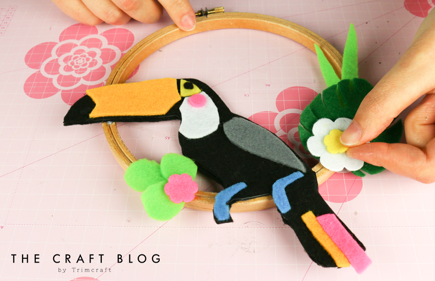 no_sew_felt_toucan_palm_leaves_9.jpg