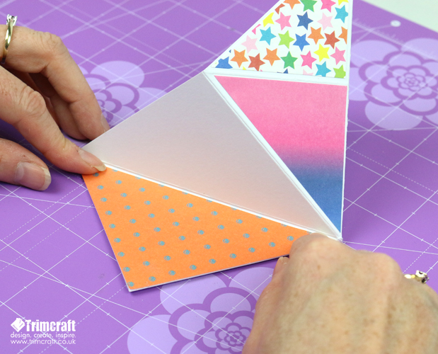 card_shape_month_kite_september_2016_11.jpg