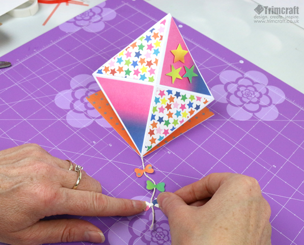 card_shape_month_kite_september_2016_14.jpg