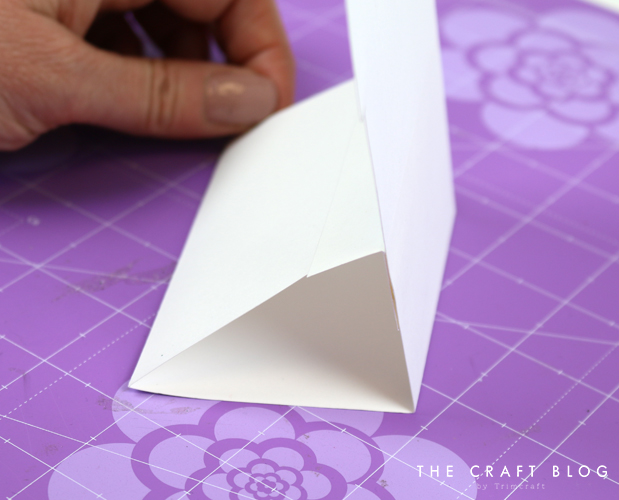 card_shape_month_march_flower_pot_3.jpg