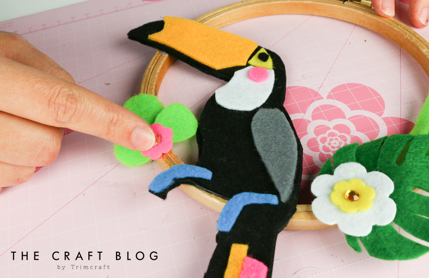 no_sew_felt_toucan_palm_leaves_10.jpg