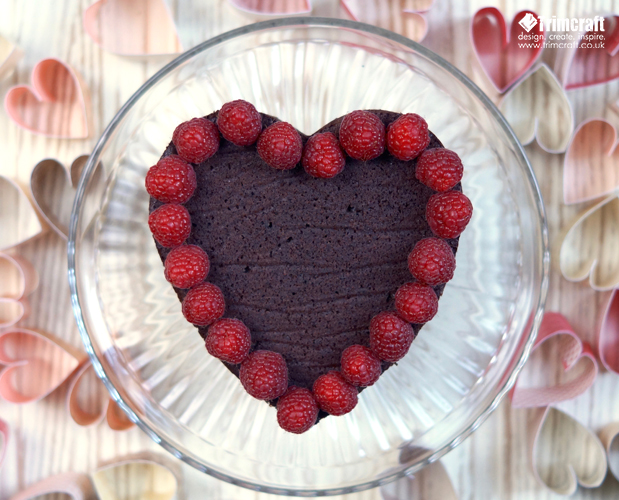 DIY Valentine's Day Chocolate Cake with a Heart Garland content image